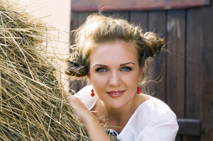 Певица Марина Девятова